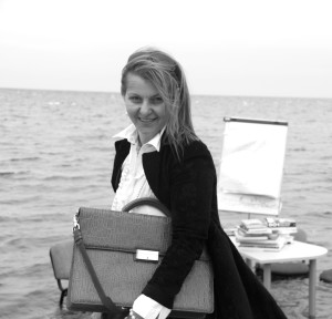 Evelīna-Grava-psihoterapeite-raksniece